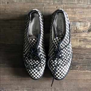 Michael Kors Calf Hair Houndstooth Saddle Shoes